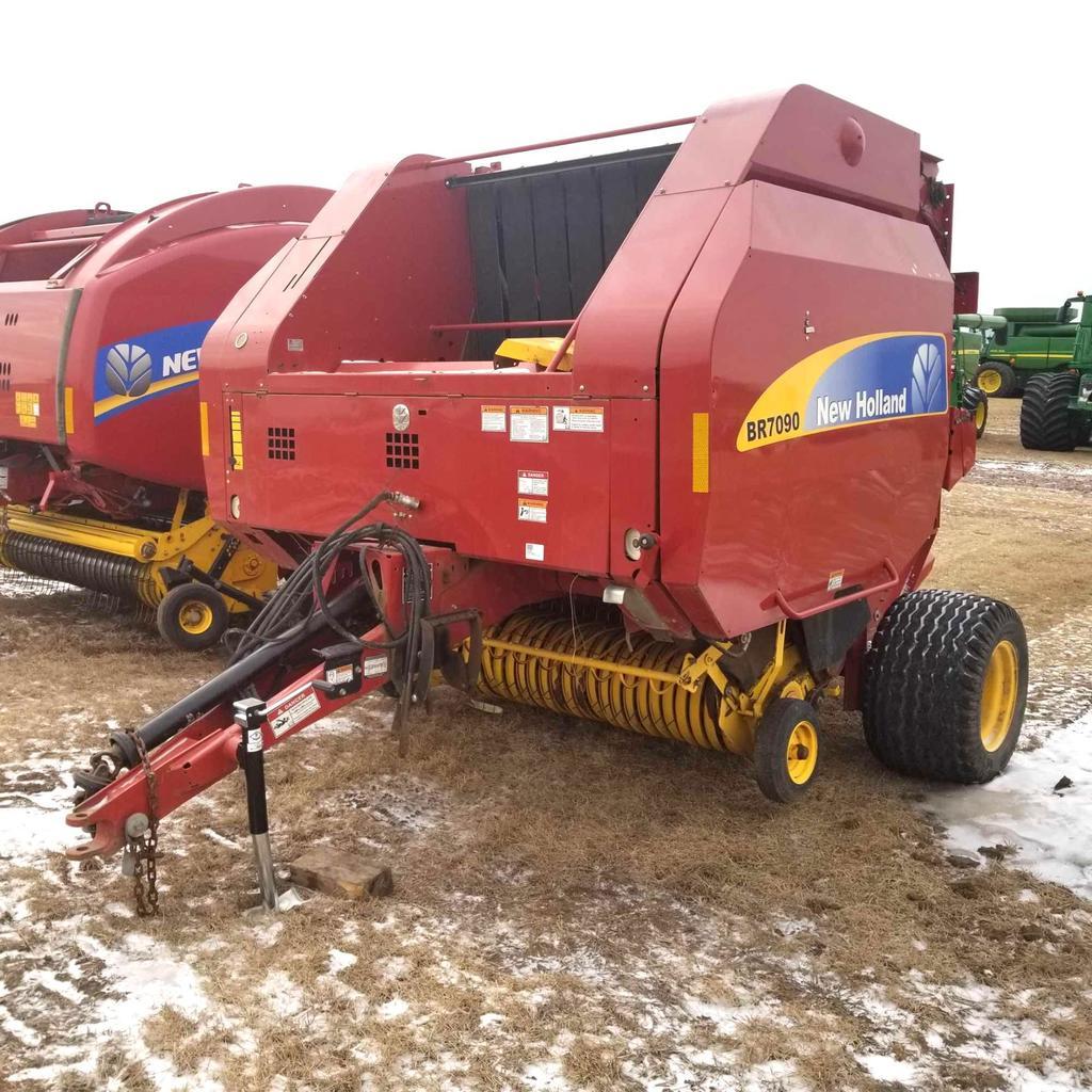 New Holland BR7090 5x6 Round Baler