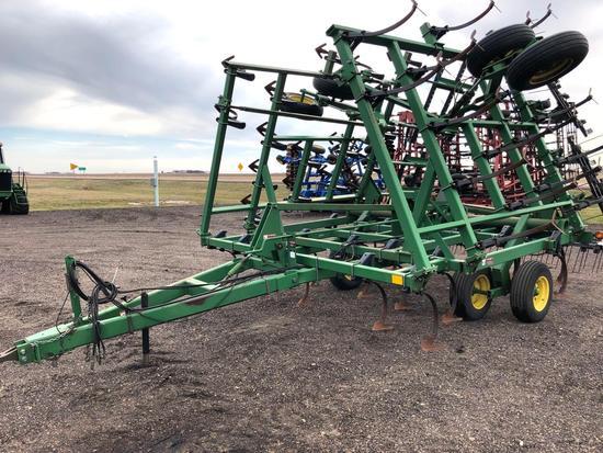 JD 980 30' Field Cultivator