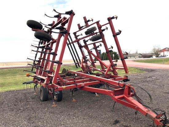 Case IH 4300 31.5' Field Cultivator