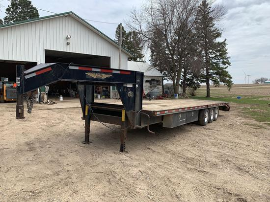 H & H 8' x 25' plus 5 feet, Tri-Axle 5th wheel trailer