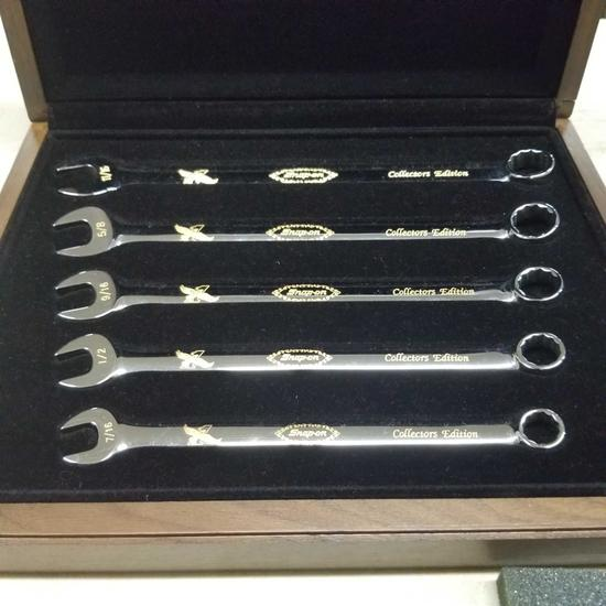 SNAP ON Collectors Wrench Set and Walnut Case