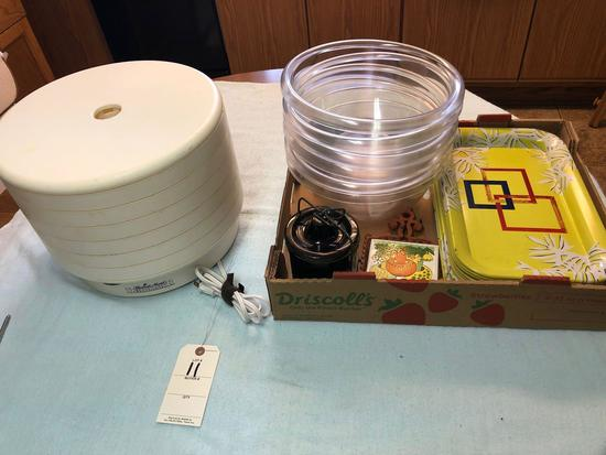 Assortment incl. Food Dehydrator, Trays, and Clear Glass Bowls