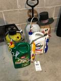 2 Hand Pressure Sprayers and Yard Care Products