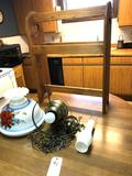 Wood Quilt Rack and Red Rose Swag Lamp with Shade