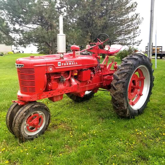 "1950 Farmall ""H"" Tractor Gas Narrow Front 9 Speed Transmission Restored"