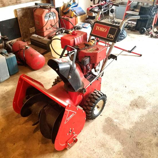 Toro 724 Walk Behind Snow Blower