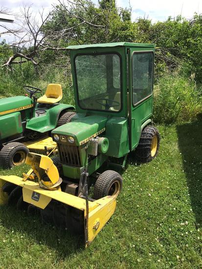 JD lawn tractor w/4? fr. Snow blower