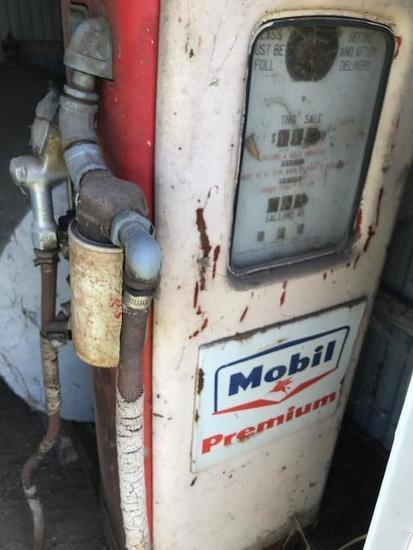 Mobil Premium Gas pump