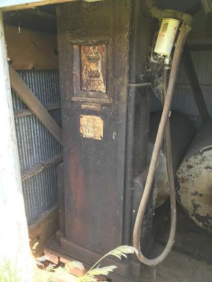 Vintage Wayne Gas Pump