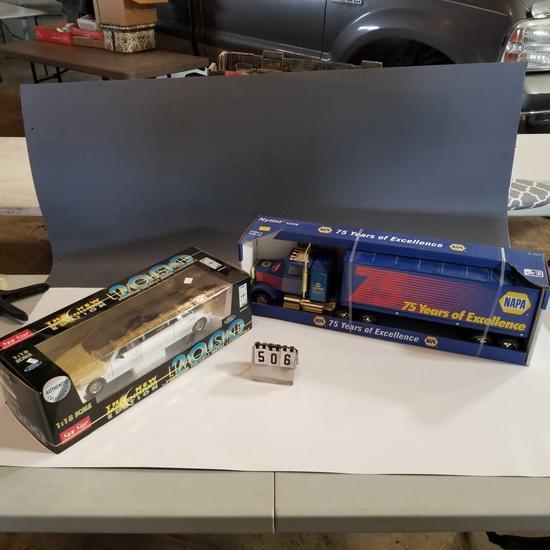 Assortment inc. Napa Anniversary Semi-Tractor Trailer and Lincoln Limousine