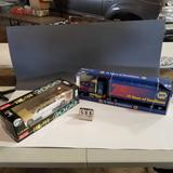 Assortment inc. Napa Anniversary Semi-Tractor Trailer and Lincoln Limousine