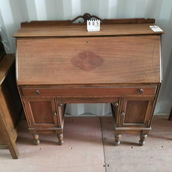 Drop Front Ornate Top Pigeon Hole 6 Leg Desk