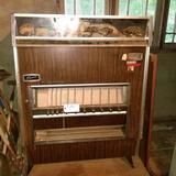 Fawn Fleetwood 12 Slot Vending Machine