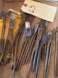 Assortment of steel bits, masonry bits, would bits, long stem bits, dial saw 1 1/8'' -2 1/2', 2-25'