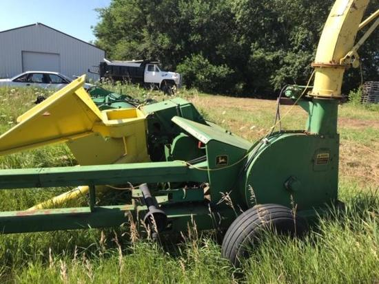 John Deere 3940 Chopper