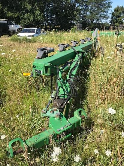 John Deere 2810 5 bottom moldboard Plow