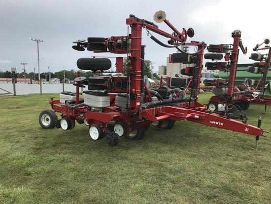 WFE 6100 8x30/15x15 Pull Type Vertical Fold Planter 6900 Splitter
