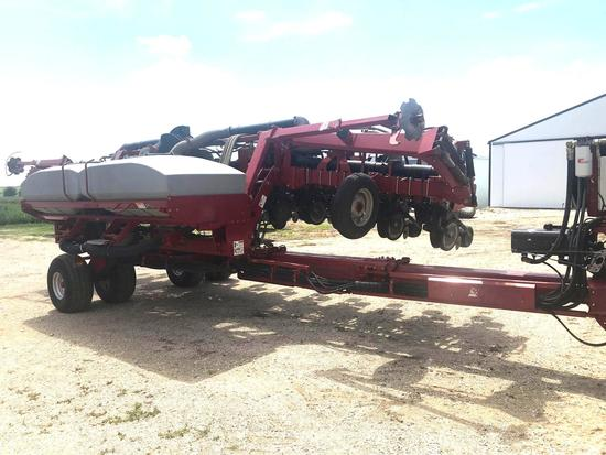 Case-IH 1200 AFS 12/23 Pivot Transport Bulk Fill Planter
