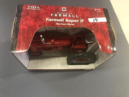 Ertl 1/16 Scale Farmall Super H Tractor - NIB