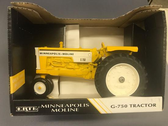 Ertl 1/16 Scale Minneapolis Moline G-750 Tractor - NIB
