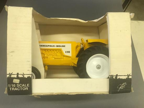 1/16th Scale Models Minneapolis Moline G-940 Tractor-NIB