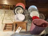 Various kitchen items to incl. jello molds, lids, waste basket, and dish drainer.