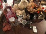 Thanksgiving basket, nativity pieces, metal sleigh design napkin/cup holder, porcelain cat/kittens,