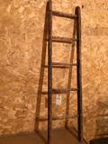 65'' wood ladder w/hooks for decor piece