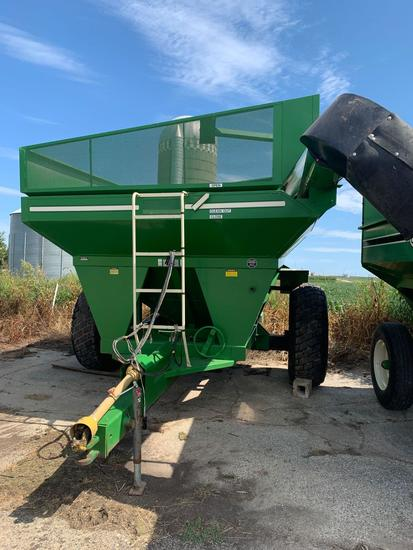 E-Z Trail Model 510 Side Auger Grain Cart