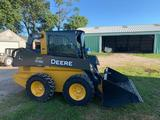 2014 John Deere 318E Skid loader, Cab, A/C, Heater, ONLY 30 Hours!!!