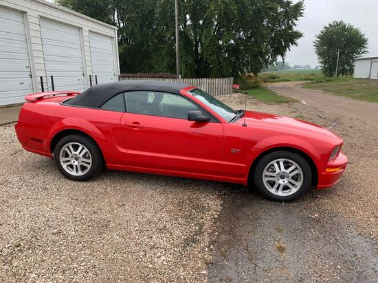2005 Mustang Convertible Fire Engine Red Only 22064 Miles!!!!