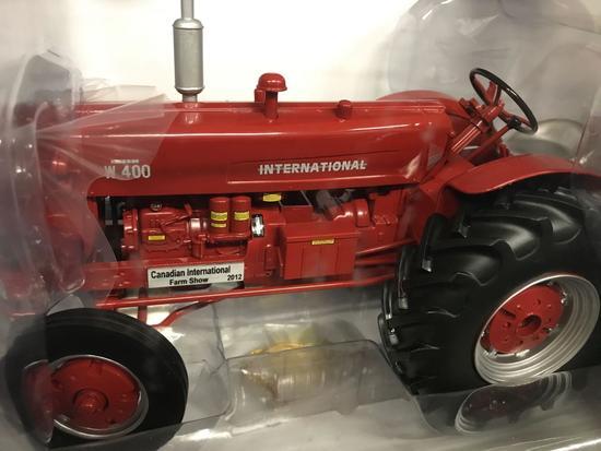 International W400D Spec Cast Classic Tractor