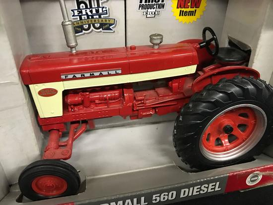 "IH Farmall ""560"" Diesel RC2"
