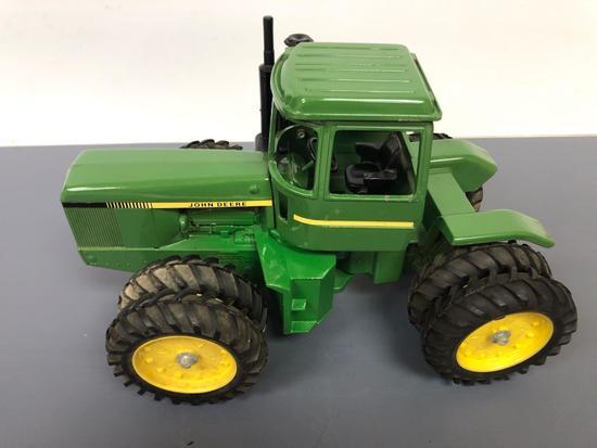 """John Deere """"4WD Articulated"""" Tractor"""