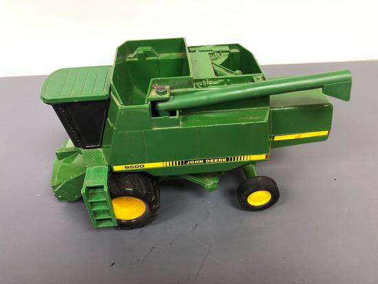 "John Deere ""9500"" Self Propelled Combine"