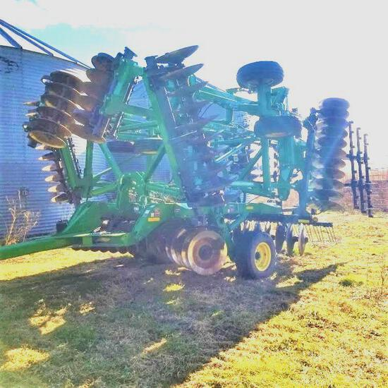 John Deere 2623 36' Tandem Disk 5 Section Hyd Fold