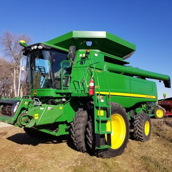 2011 John Deere 9770 Self Propelled Combine 2wd