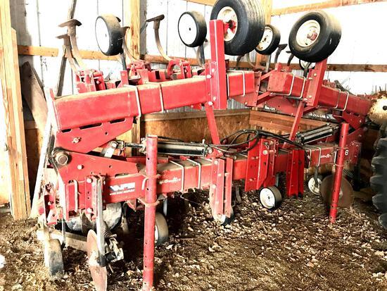 WFE 8RN 378 FF Cultivator