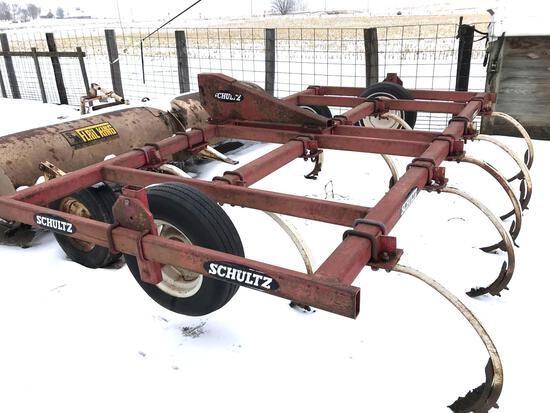 Schultz 12 Shank, 3pt, Chisel Plow