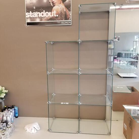 GLASS CUBICLE DISPLAY