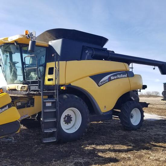2004 New Holland CR960 Combine 2wd