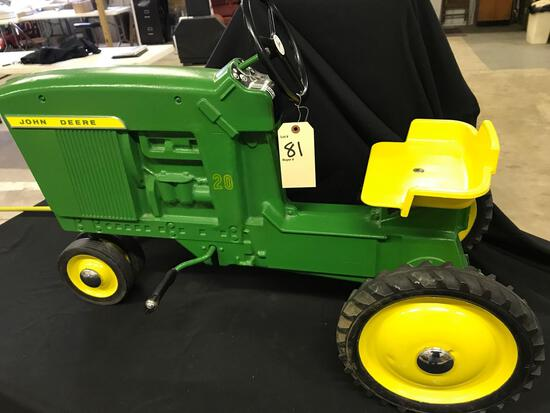 Ertl John Deere 20 Series Pedal Tractor - Mint