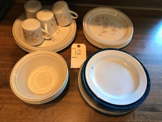 Cornerstone by Corning dish set and 6 enamel plates