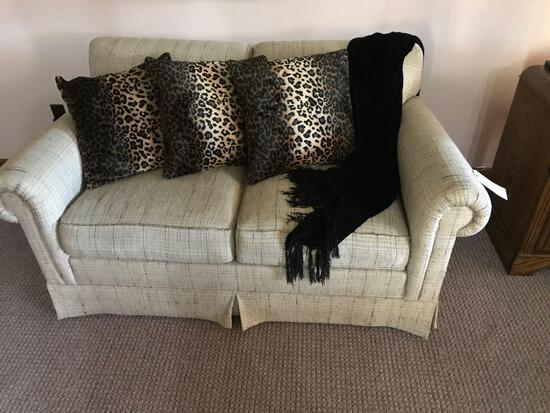 """Sherrill Loveseat 5ft W X 35"""" D X 30"""" H with Pillows and throw Blanket. NO SHIPPING!"""