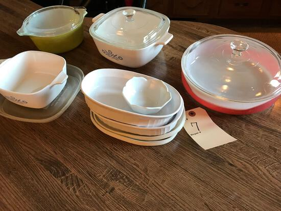 Various Corningware and Pyrex dishes