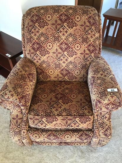 LaZBoy Recliner. NO SHIPPING AVAILABLE!