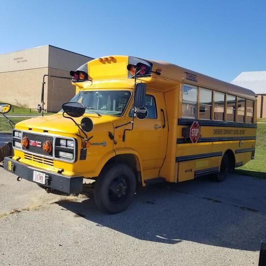 1996 GMC G-P Bus, VIN # 1GDKH31K7T3500318