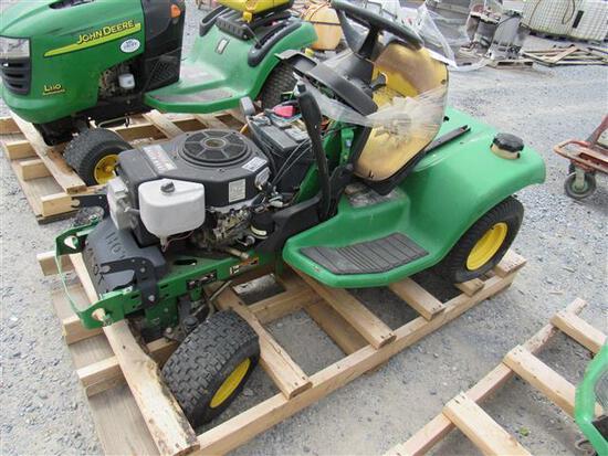 JD LX255 Tractor