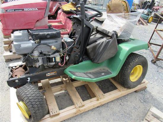 JD LX188 Tractor