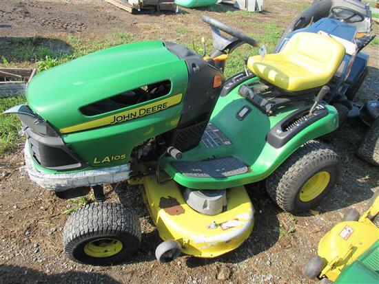 JD LA105 L&G Tractor